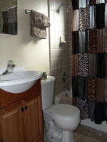 black rock bungalow rental bathroom